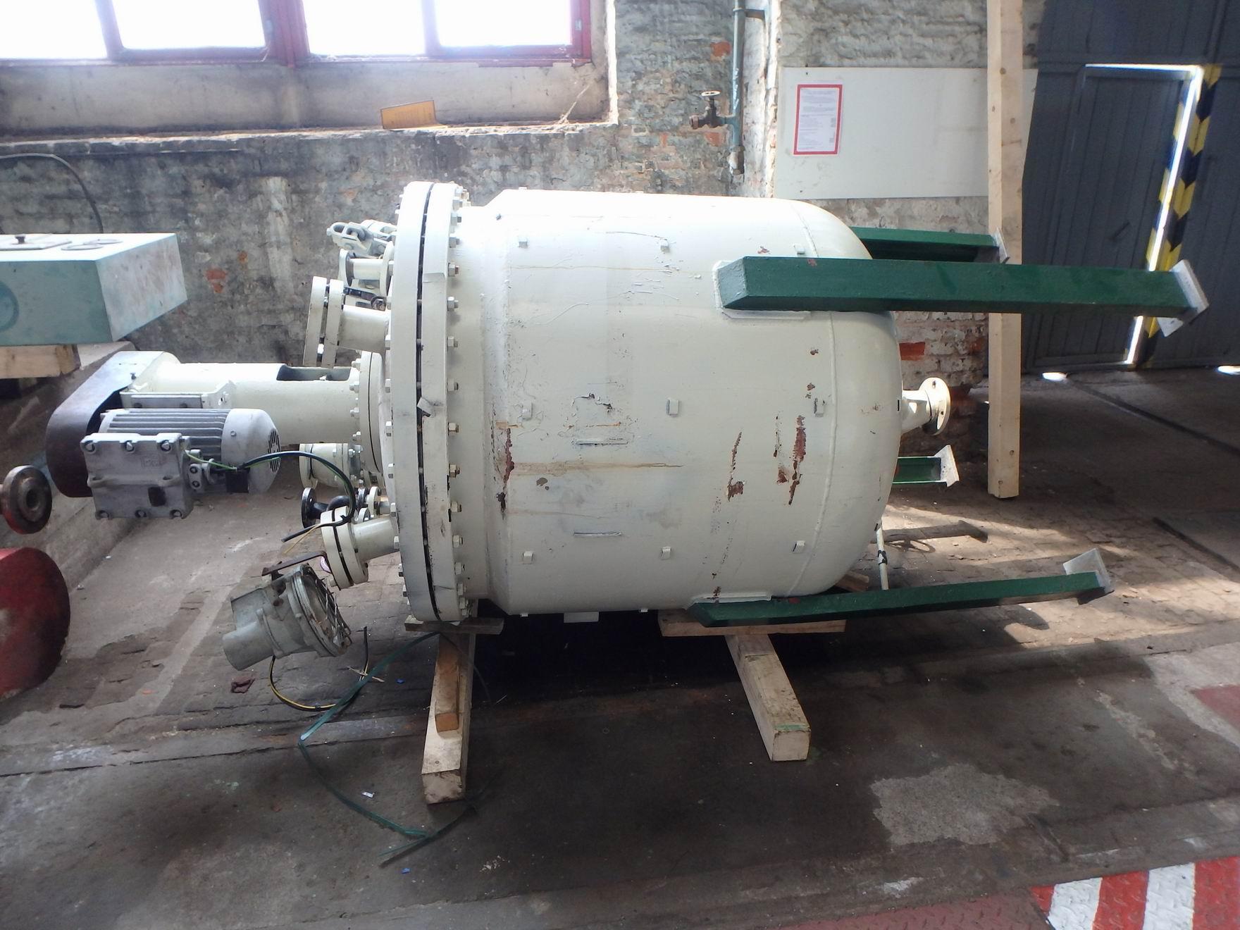 1400 litrů, 6 bar vnitřní, 6 bar duplikace, Královopolská Strojírna nerezový (AISI 321) duplikovaný míchaný reaktor
