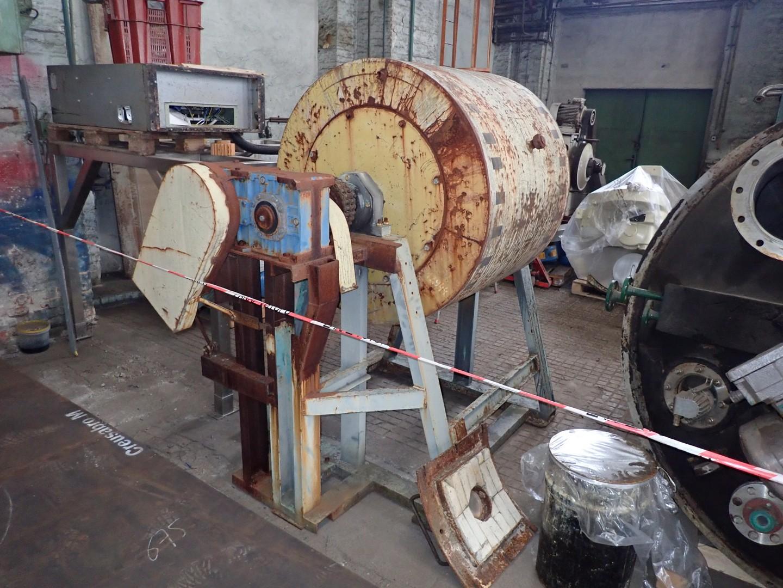 800 litrů, kulový mlýn s keramickou vyzdívkou