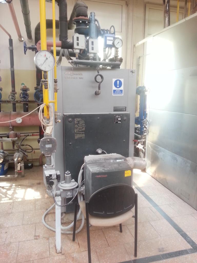 395 kg/hod, Viessmann Vitoplex model LS100 vyvíječ páry s plynovým hořákem