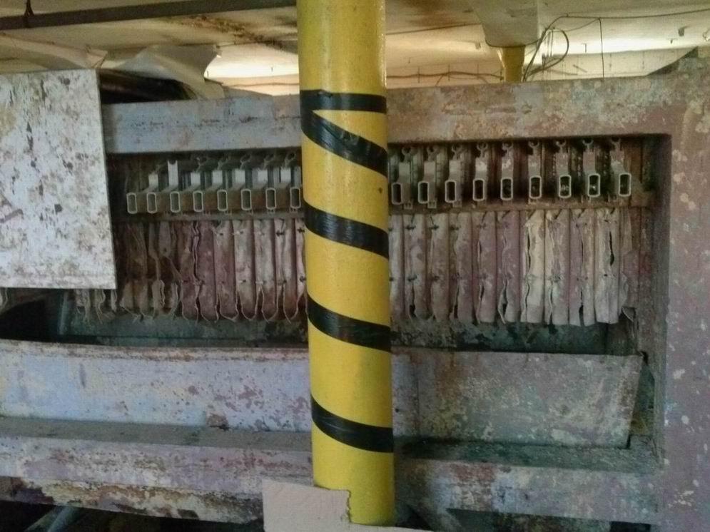 500 mm x 500 mm Válcovny Frídek Místek komorový kalolis s plastovými deskami