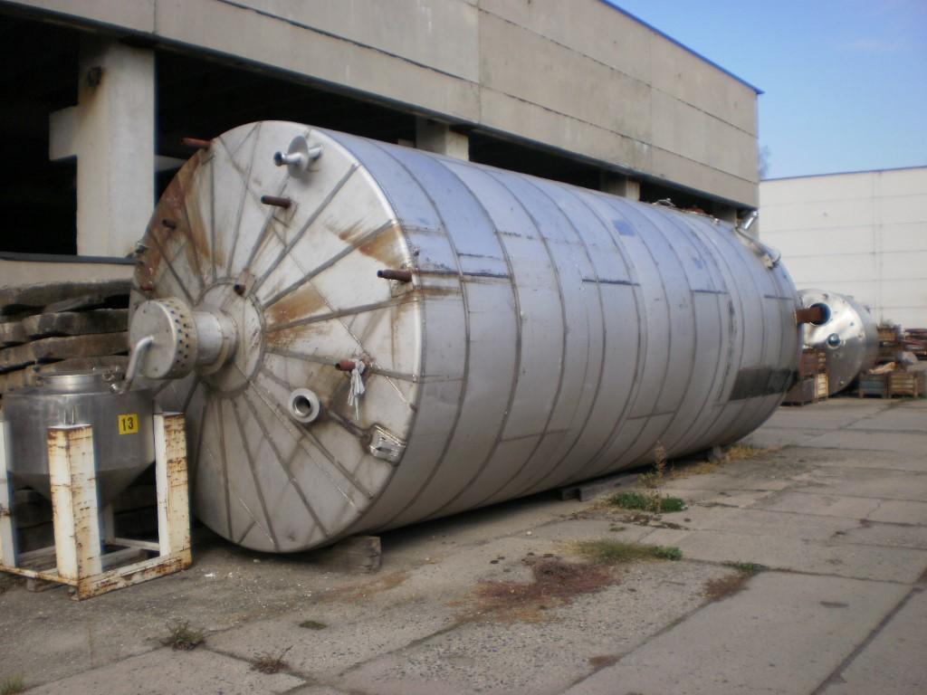 50000 litrů, Poldi nerezový vertikální zásobník, průměr 3000 mm x 8500 mm výška