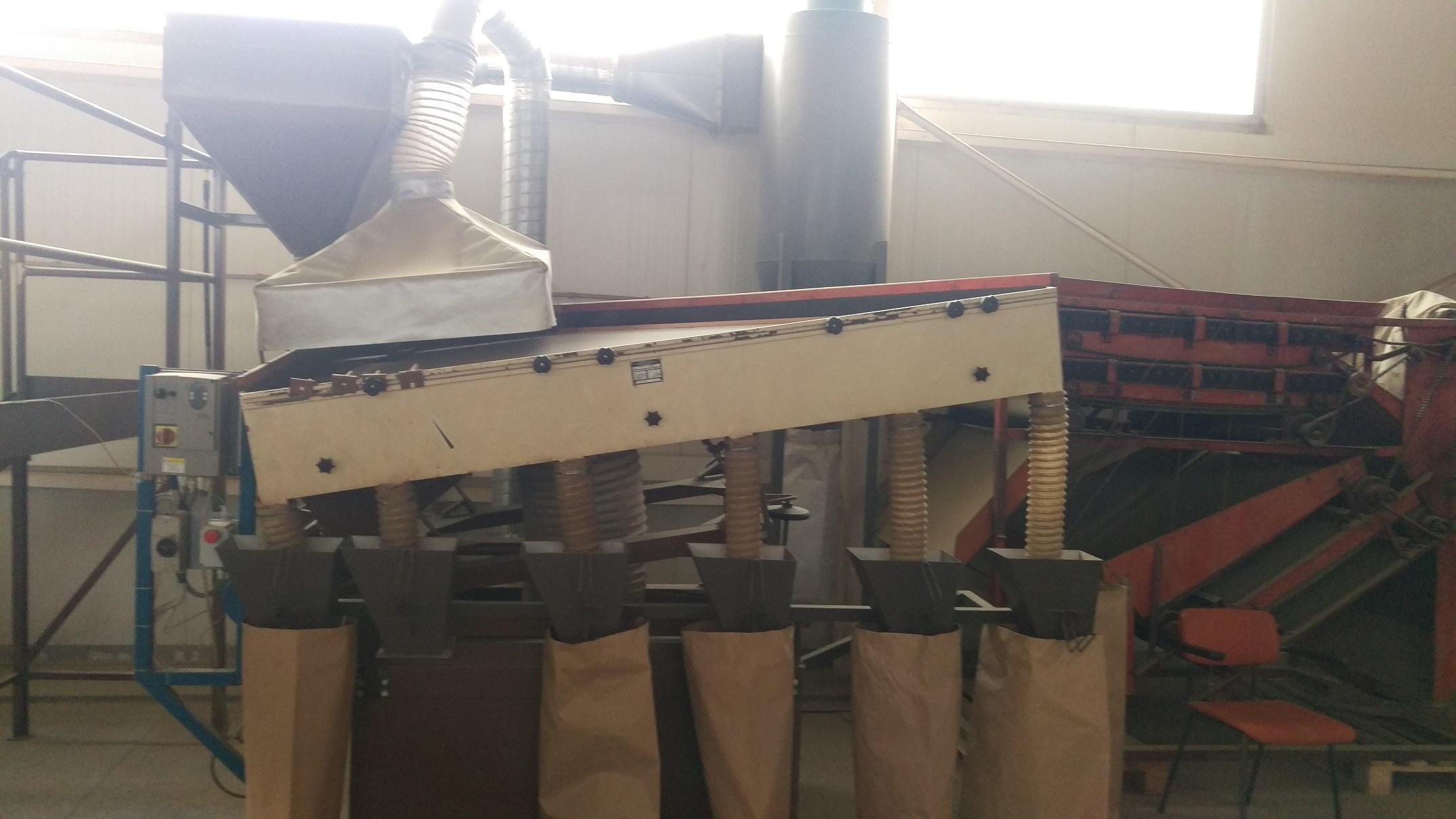 1700 mm x 2600 mm, 1 síto, Kubart model KPS 2300 pneumatický třídící stůl