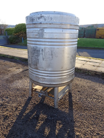 900 Litre Stainless Steel Vertical Storage Vessel, 1000mm Dia x 820mm Straight Side
