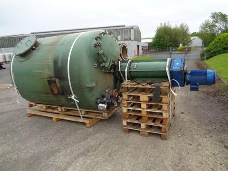5200 litrů, Oliver Y Battle vertikální míchaný zásobník z běžné oceli, průměr 1700 mm x 1910 mm výška
