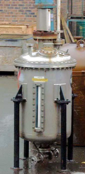 250 litrů, nerezový vertikální zásobník, průměr 600 mm x 780 mm výška