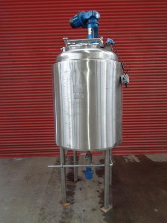 1000 litrů, 0 bar vnitřní, 2 bar duplikace, Wincanton Engineering nerezový duplikovaný míchaný reaktor