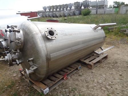 1200 litrů, Giusti nerezový míchaný zásobník, průměr 1200 mm x 2100 mm výška