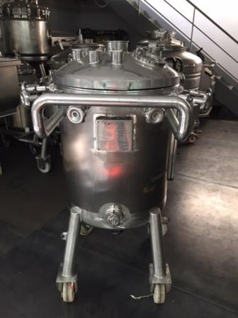 200 litrů, Sapphire Engineering nerezový vertikální míchaný zásobník