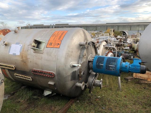 6800 litrů, nerezový míchaný zásobník, průměr 2000 mm x 2100 mm výška