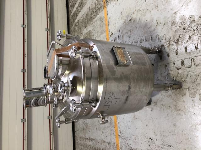 180 litrů, nerezový vertikální míchaný zásobník, průměr 650 mm x 550 mm výška