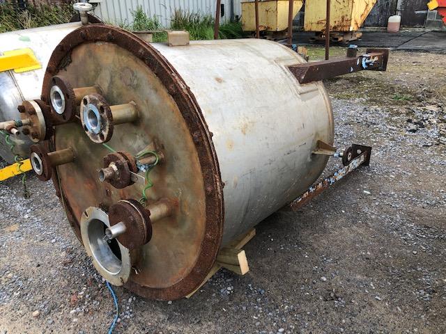 640 litrů, nerezový zásobník, průměr 950 mm x 900 mm výška