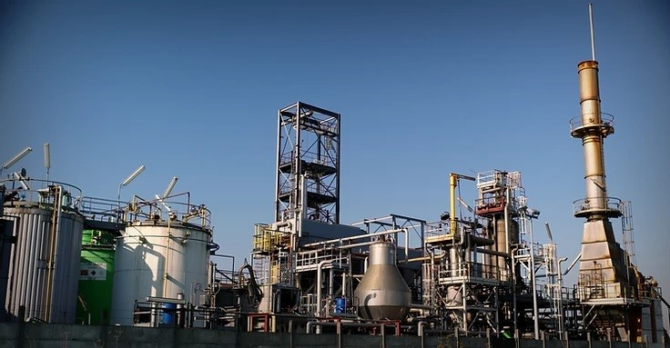 Used Waste Oil Cracking Plant with Capacity 25000 - 30000 Tons / Year
