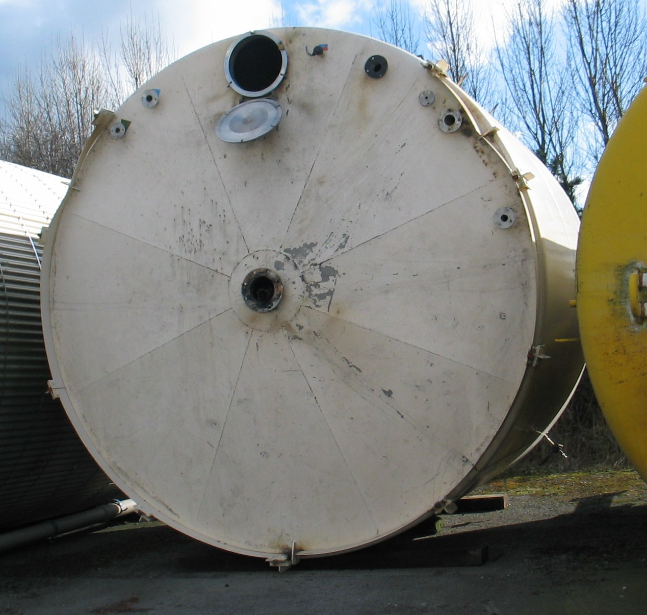 40,000 litre stainless steel vertical storage tank
