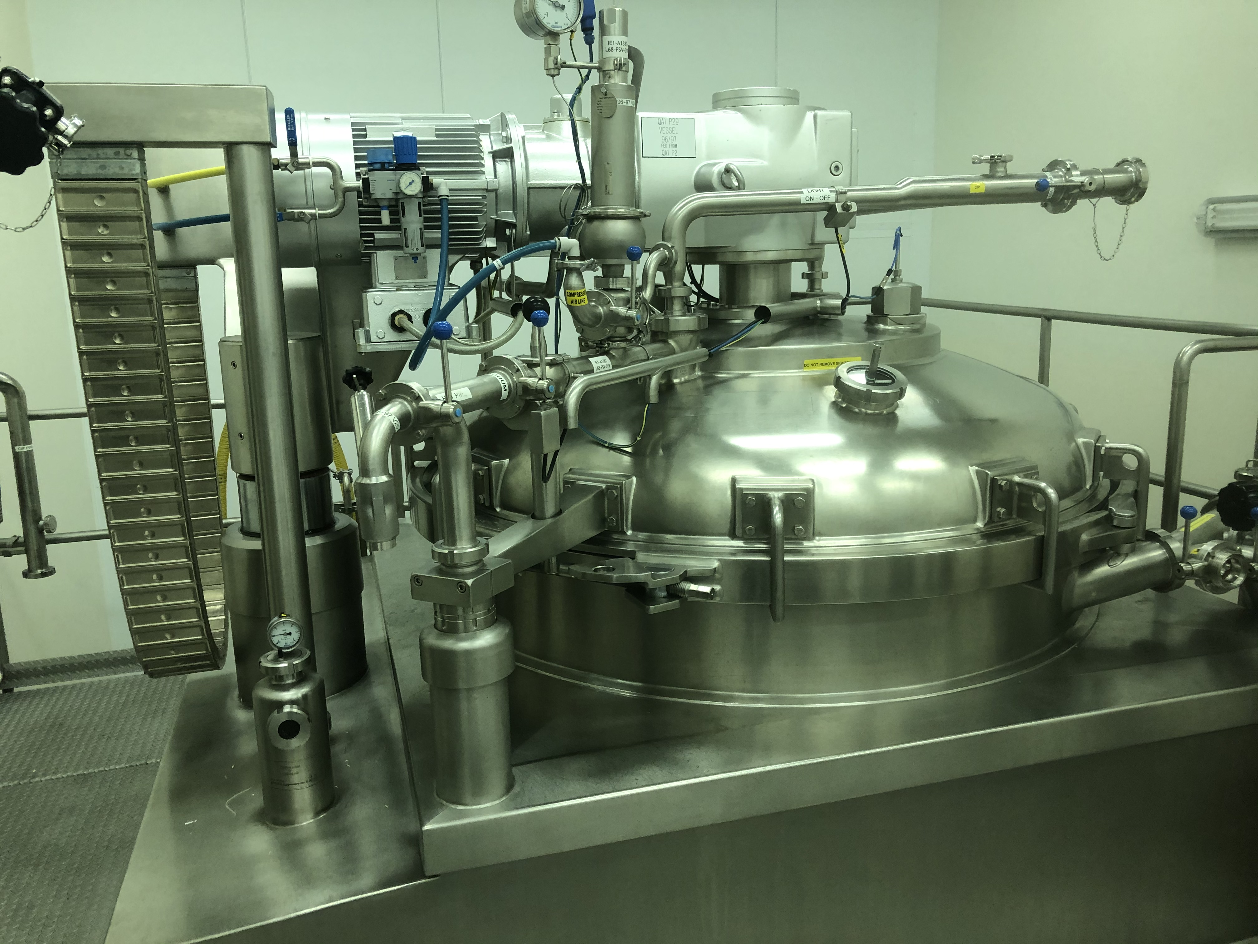 3,000 Litre Becomix Type RW-3000CD Stainless Steel Vacuum Processing Vessel