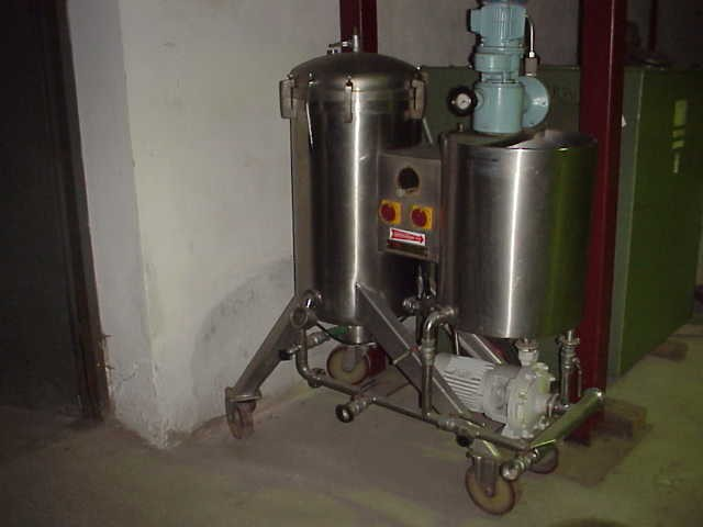 4 Sq. M., 8000 Litre, Montanaro Vertical Leaf, Vertical Tank Pressure Leaf Filter