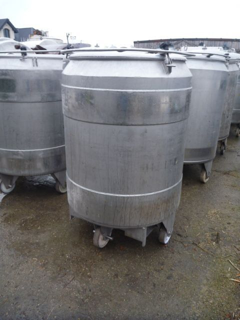 740 Liters 304 Stainless Steel Mobile Tank 950mm Dia x 1100mm Straight Side