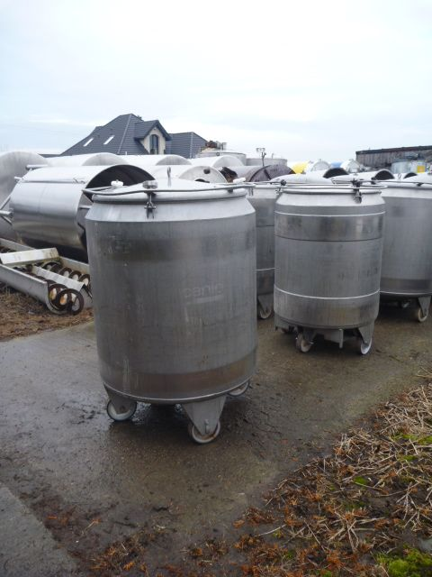 925 Liters AISI 304 Stainless Steel Mobile Tank 1040mm Dia x 1100mm Straight Side