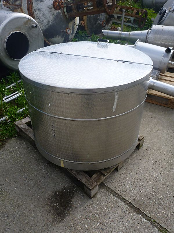 500 Liters Storage Vertical Tank 1040mm Dia x 670mm Depth