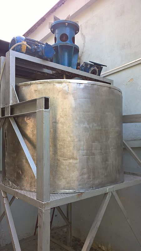 900 Liters Stainless Steel Mixing Tank 1245mm Dia x 750mm Deep