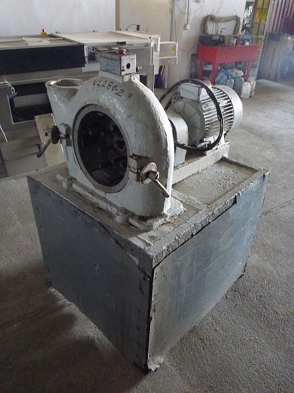 15 kW Carbon Steel Universal Mill