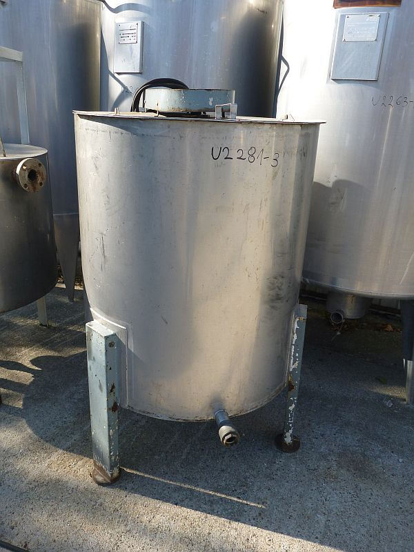 750 l vertical mixing tank designed in stainless steel