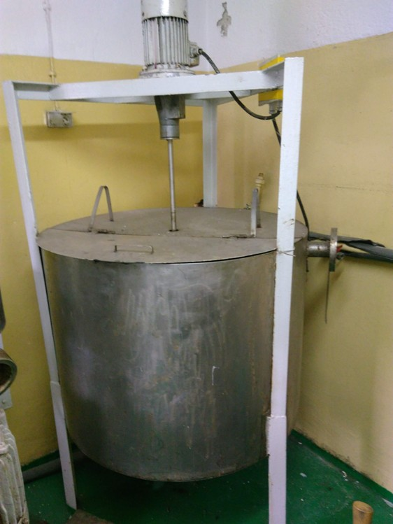 580 l vertical stainless steel mixing tank