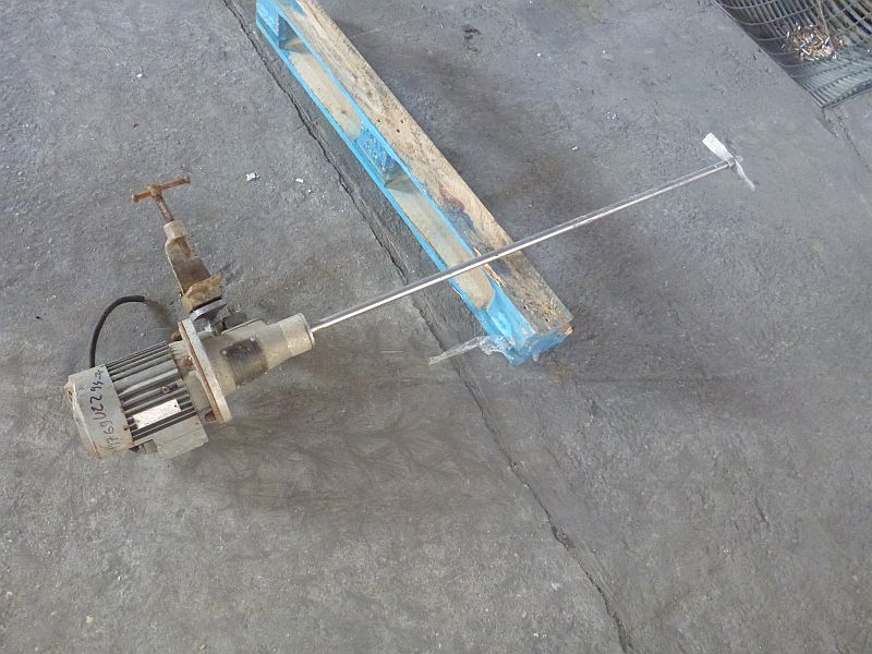 0.55 kW paddle agitator