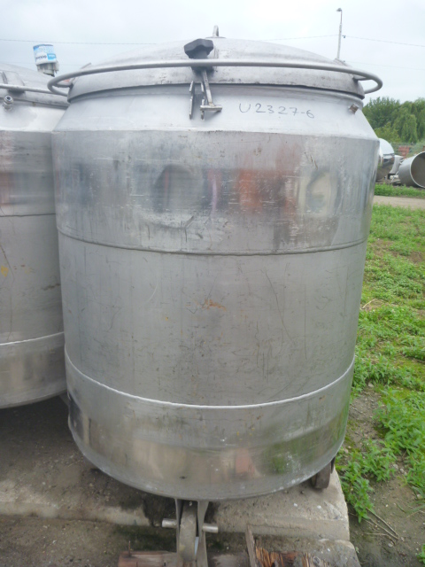 925 Liters 304 Stainless Steel Mobile Tank