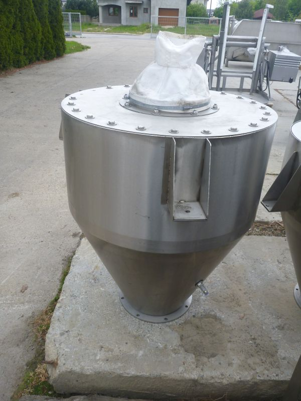 340 L Vertical Stainless Steel Feeding Powder Silos