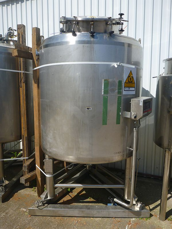 1600 l Vertical Storage Tank By Kates With Jacket And Scale