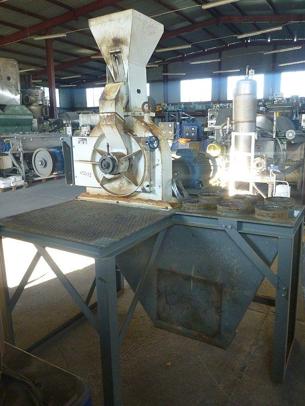 7.5/15 kW Spomasz Ostrow MI250 Carbon Steel Pin Mill