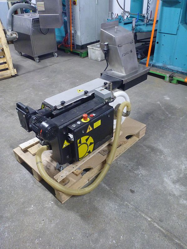 2.2 KW Cutting Mill Rapid Type G150-21A With Auger Feeder