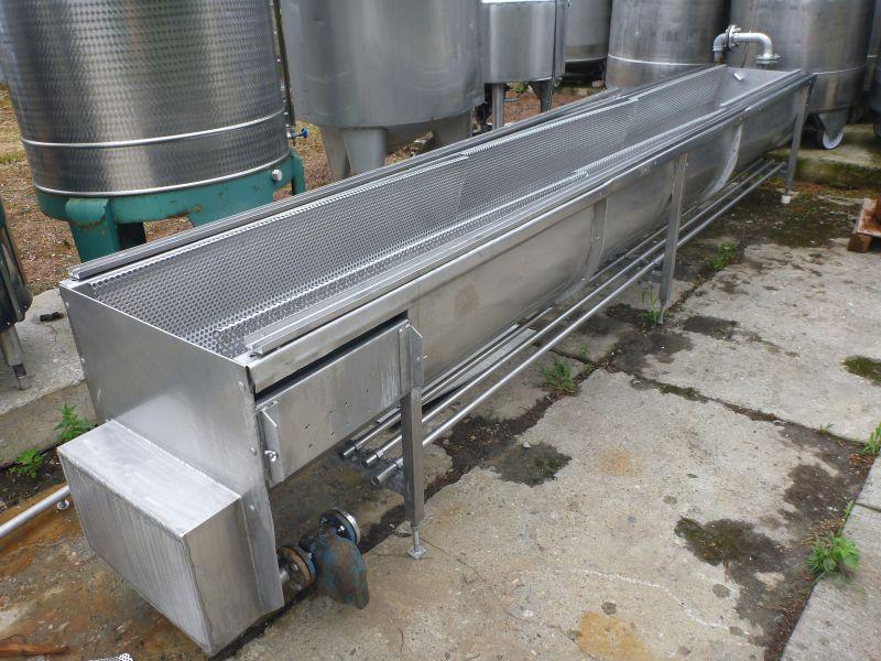 1130 l Horizontal Rectangular Storage Tank With Heating Coil
