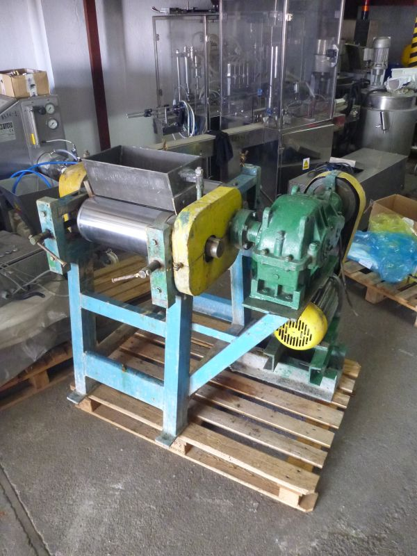 3 Roll Mill With Working Width 372 MM x Diameter 180 MM
