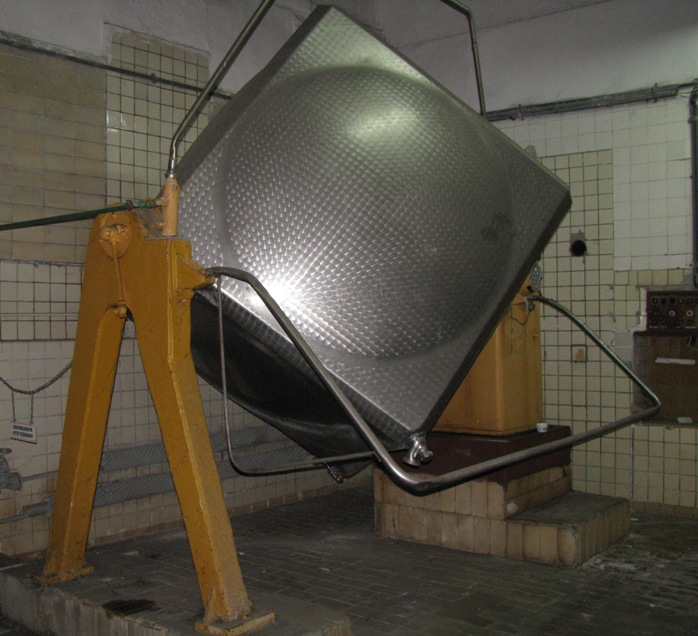 211 Cu. Ft. Paasch (Denmark) Stainless Steel Cube Type Tumbling Mixer