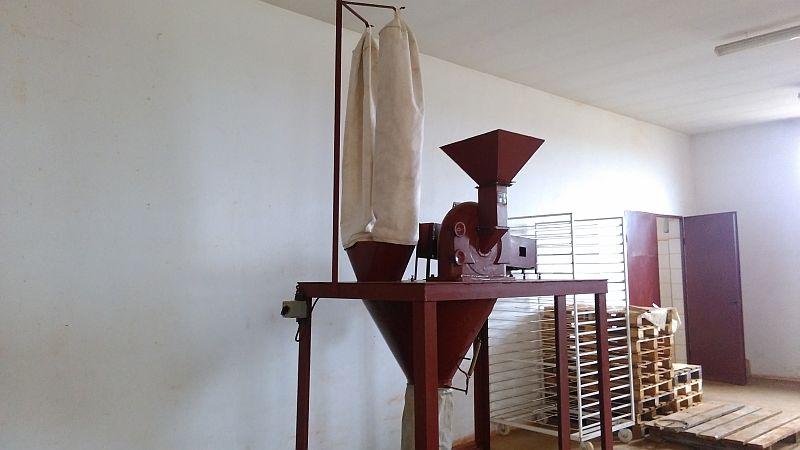 11 kW Veb Nosser Cage Mill/Universal Mill