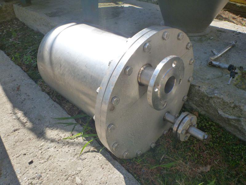 70 L Vertical Stainless Steel Storage Tank