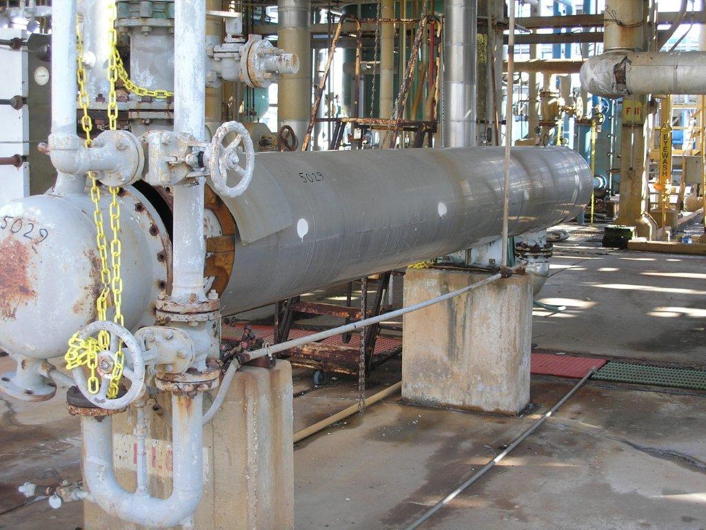 490 Sq.Ft. Horizontal Stainless Steel U-Tube Heat Exchanger